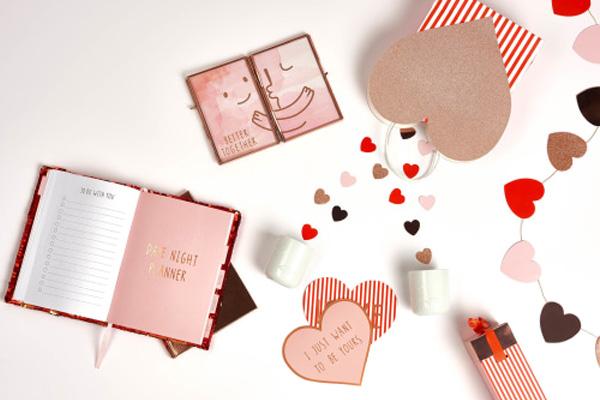Verras je valentijn met de cadeau van HEMA